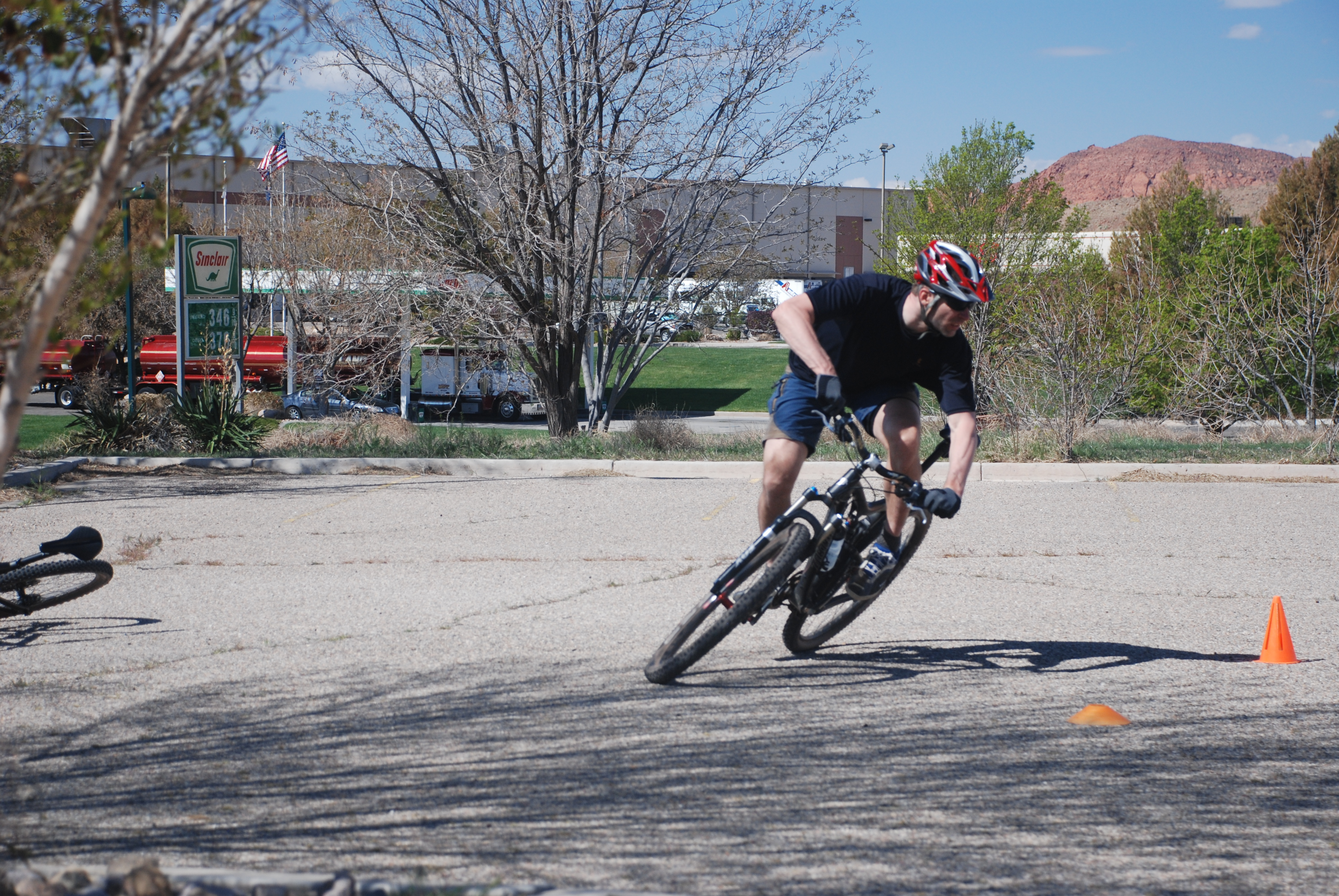 How Foot Placement Affects Mountain Bike Handling and Cornering. (part 3)